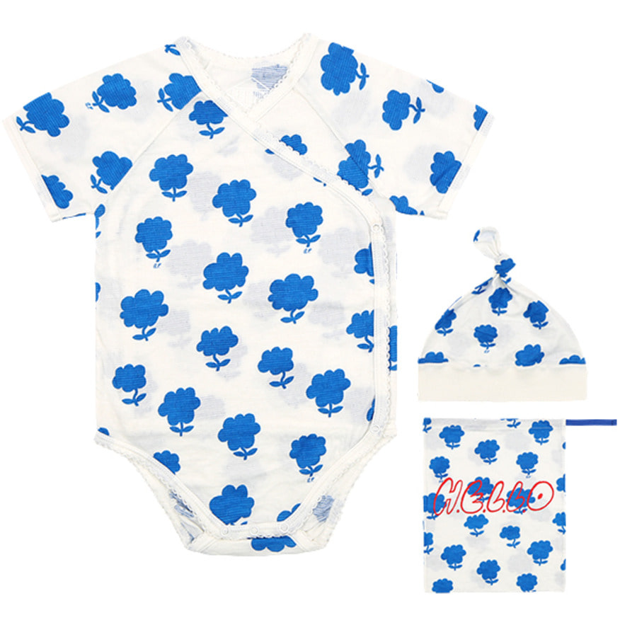 All over cloud flower newborn bodysuit set