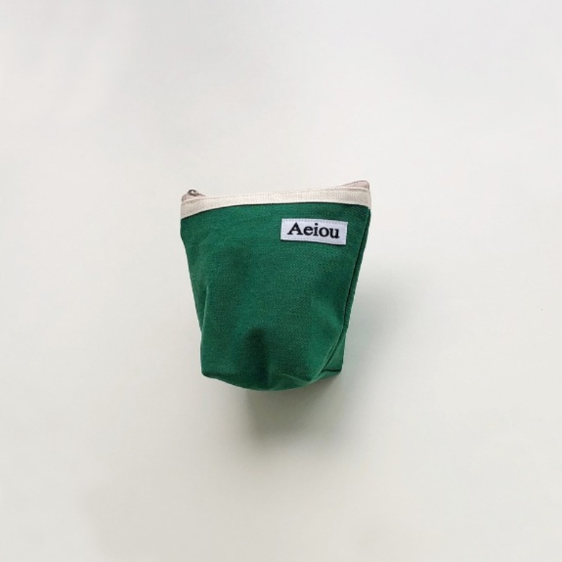 Aeiou Basic Pouch (M size)Green Tree