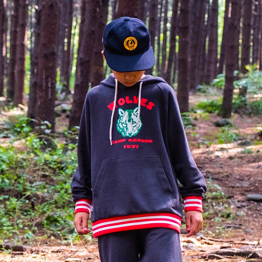 SWEAT HOODY - WOLVES CAMP GROUND